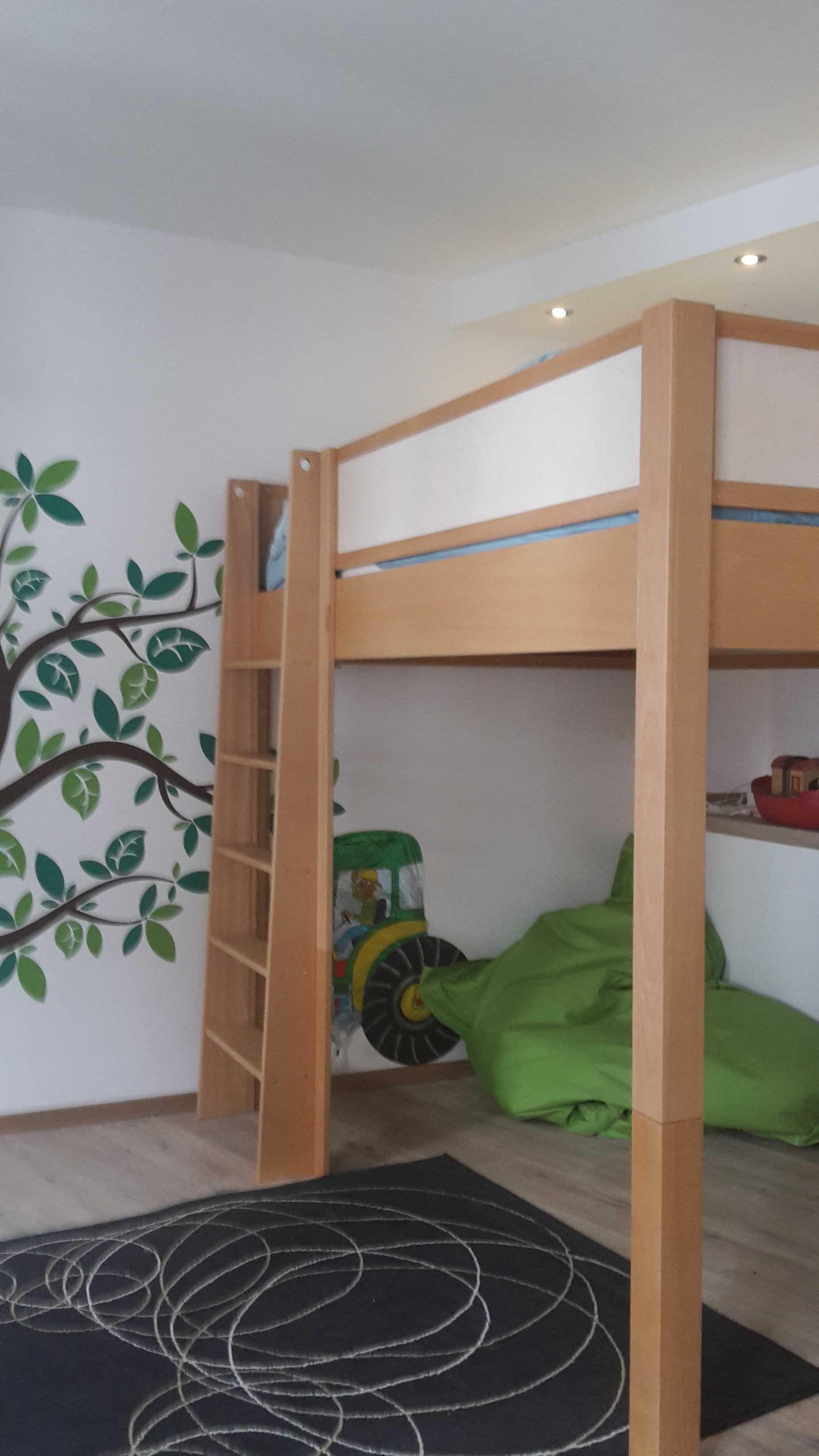 Kinderbett, das mitwächst