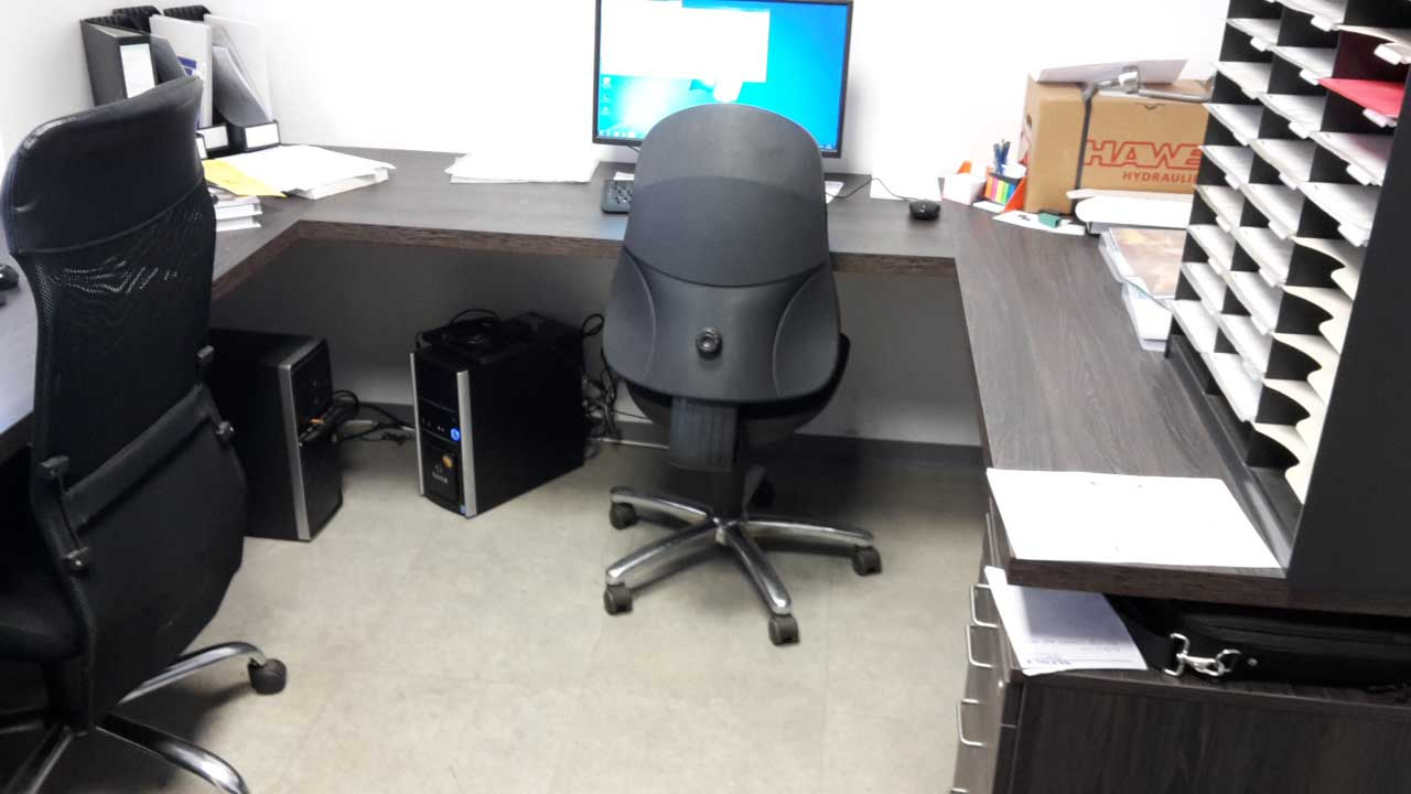 Schreibtisch U-Form mit Rollcontainern