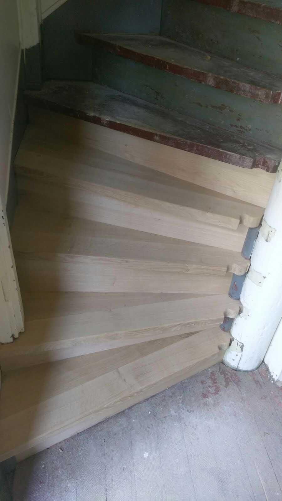 Sanierte Treppenstufen
