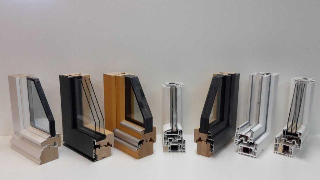 Verschiedene Fensterprofile (Holz, Holz-Alu, Kunststoff)